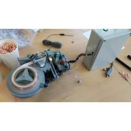 Stroj na instalaci měděných pásů